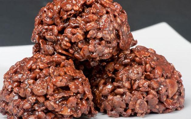 Cento de Salgados OU Torta Naked ou 100 Chocolates!